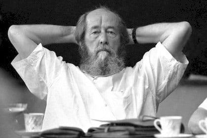 Как А. Солженицын воспел предательство власовцев («Известия» от 24 января 1974 года)-pic1
