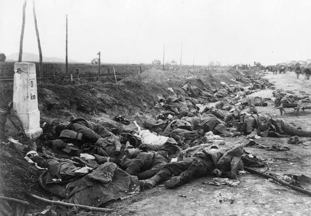 dead-romanian-soldiers-near-kronstadt-romania-in-1916-ww1-world-war-one.jpg
