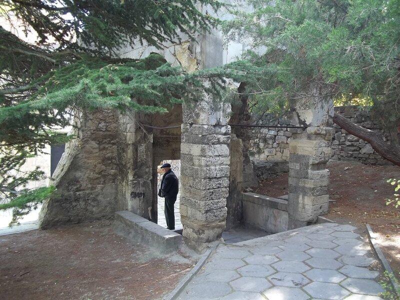 Армянский храм Святого Сергия (Сурб-Саркис)