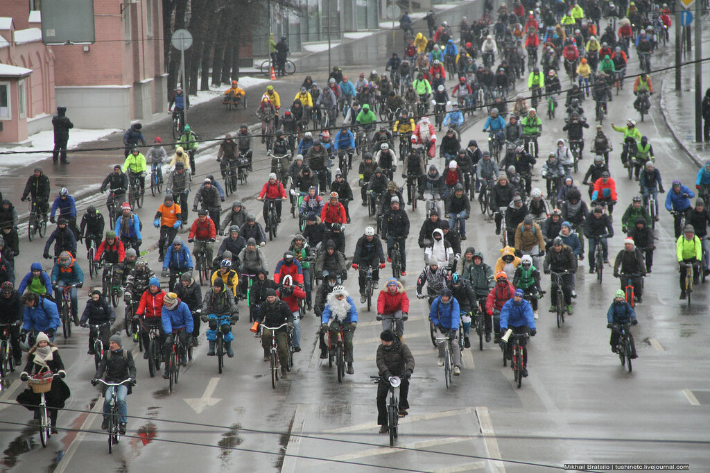 Winter bicycle parade in Moscow