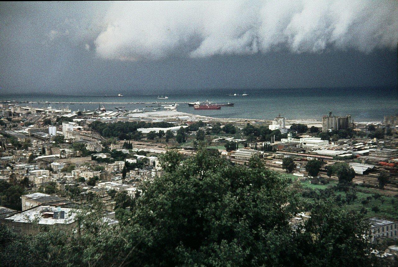 Вид на Хайфский залив и порт (1976)