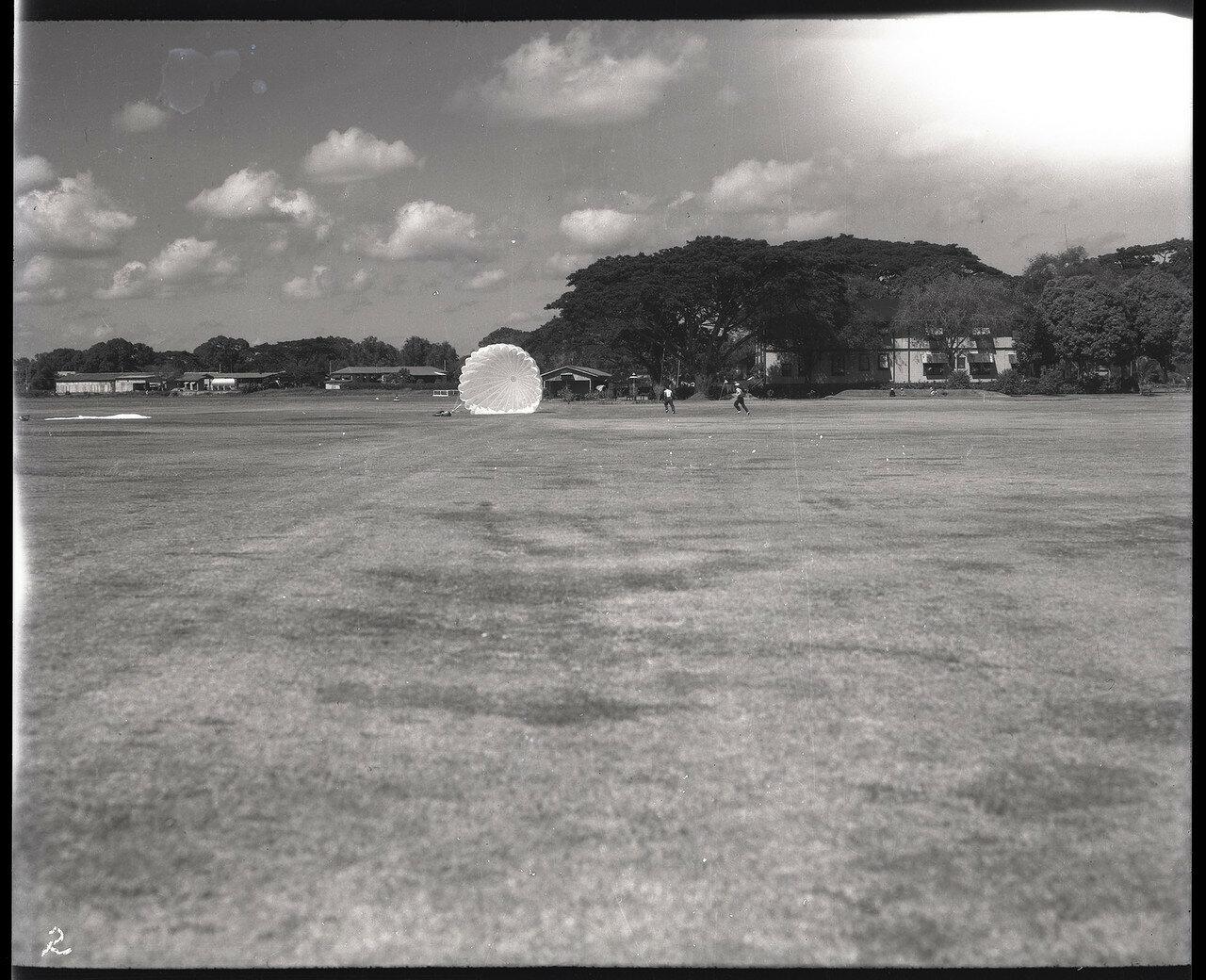02. Испытание парашютов на филиппинском аэродроме Николс Филд