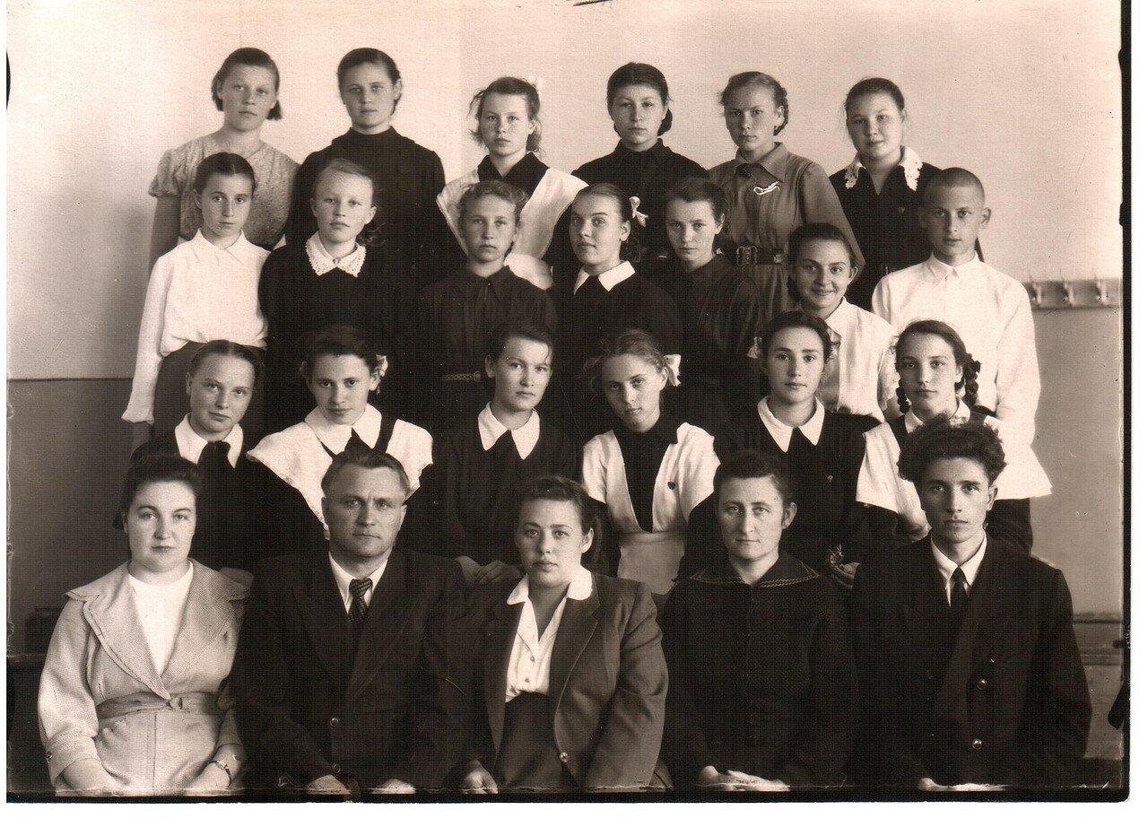 1958. Учащиеся из г. Счастья, Луганской области