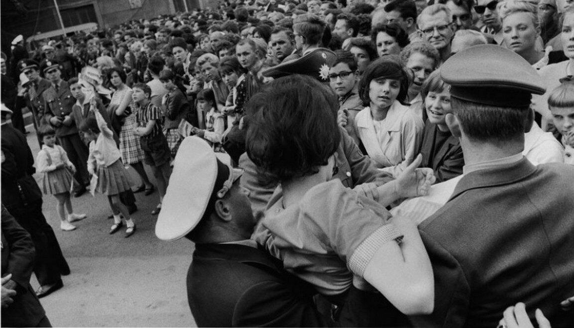 26 июня 1963. Берлинцы встречают Кеннеди