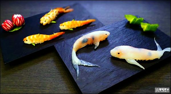 Суши в виде рыбок кои