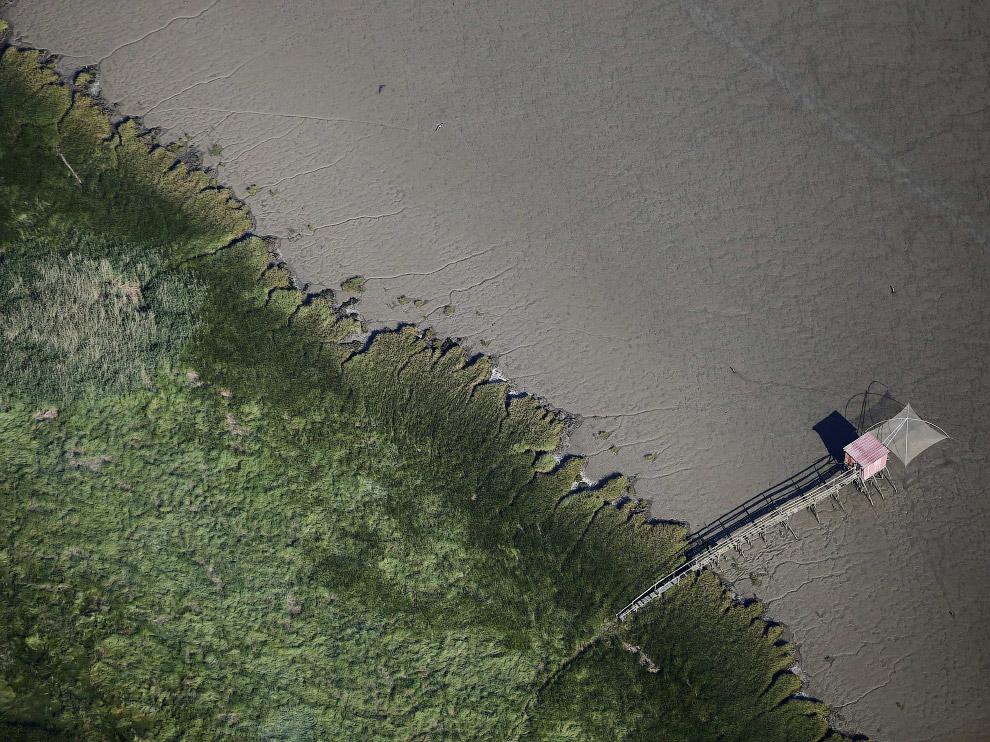 7. Водопады Игуасу на границе Бразилии и Аргентины. (Фото STRINGER Argentina):