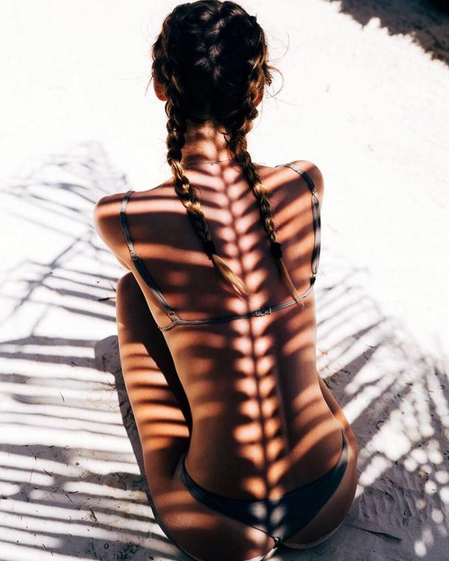 15 фотографий, на которых модели одеты в свет и тени