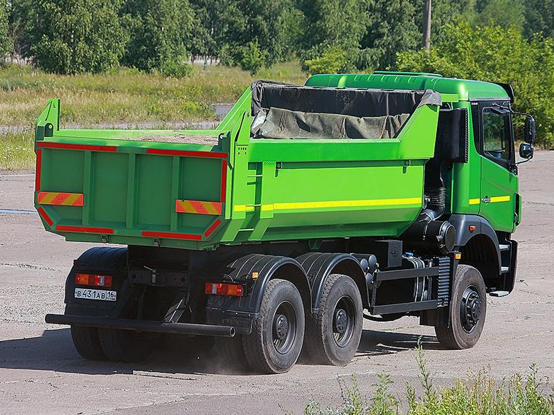 Скабиной DMEC было построено несколько опытных образцов, среди которых — самосвал КАМАЗ-
