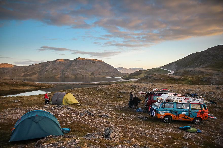 3 Мы взяли с собой палатки, запасы продовольствия и просто отправились в путь