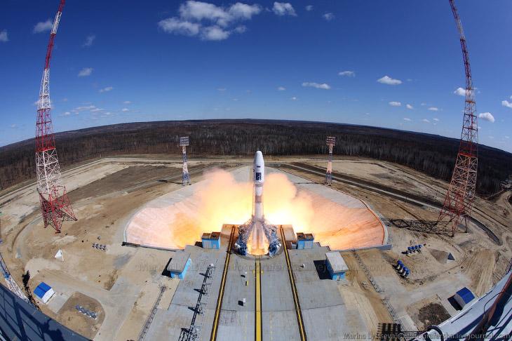 2. За стартом ракеты наблюдал лично президент Владимир Путин, который прибыл на космодром еще накану