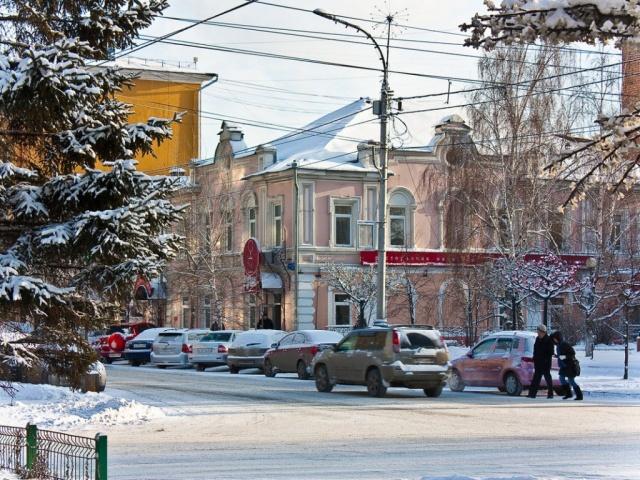 Вряде городов Урала из-за мороза вновь частично отменены занятия вшколах