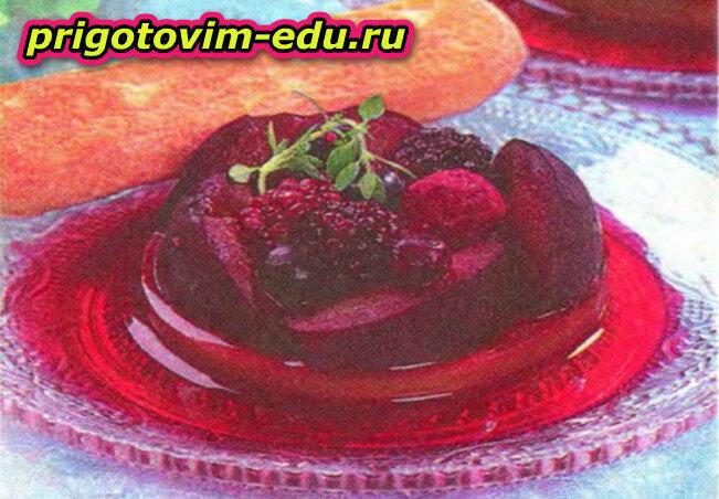 Десерт Фрукты с корицей
