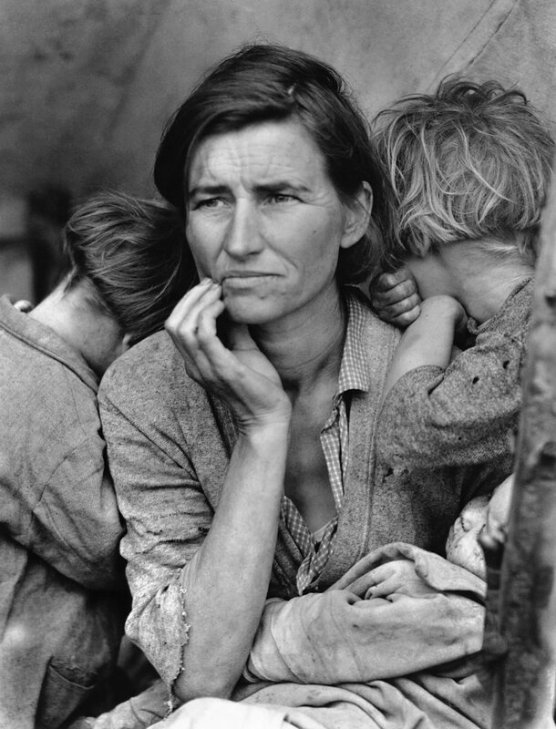 <Migrant Mother> by Dorothea Lange