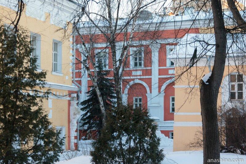 Флигели, Лефортовский дворец