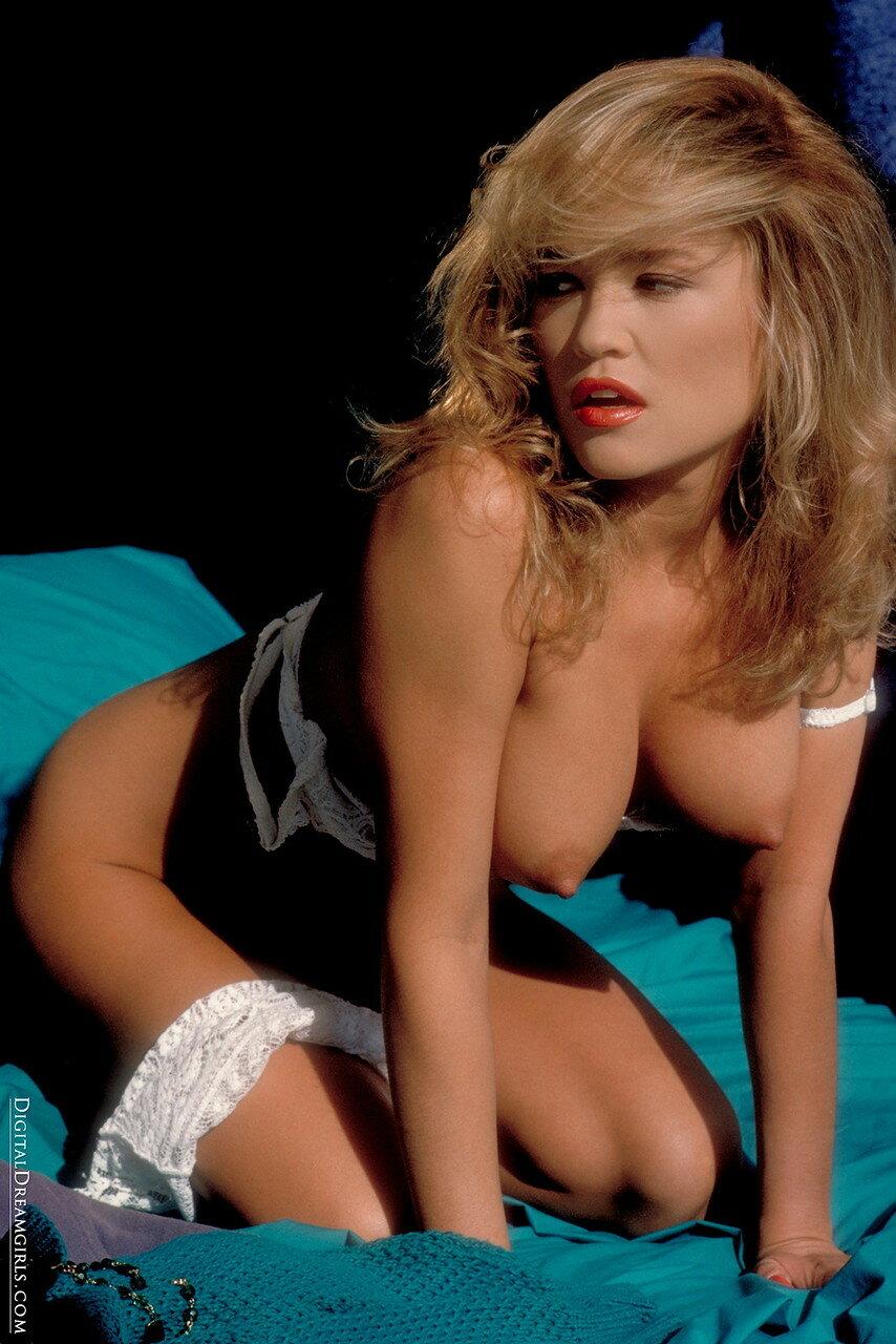 Lisa Boyle Topless
