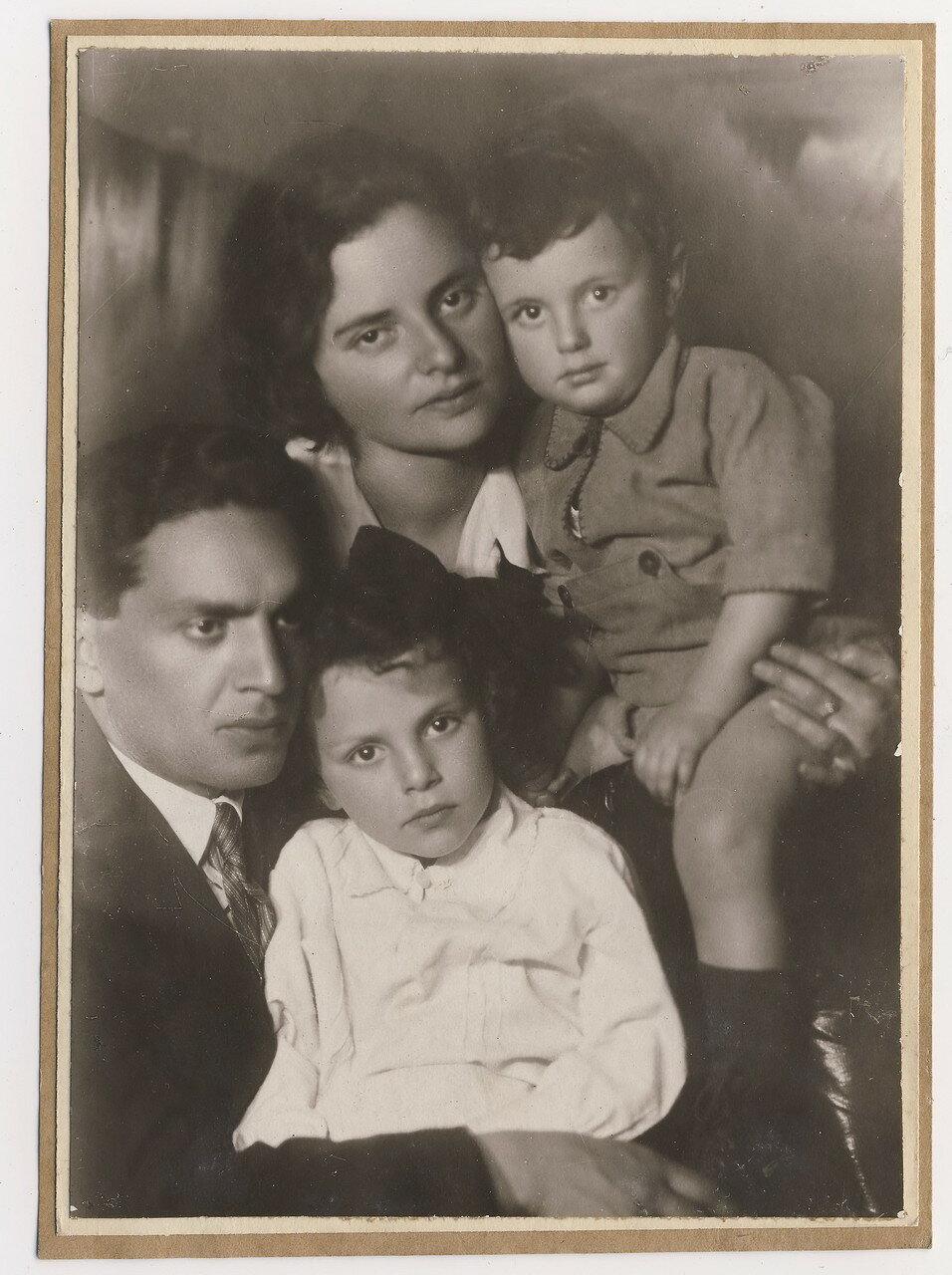 1935. Наталия Михайловна Цырлова - дочь Евы Лясс и Михаила Либера (Гольдмана)