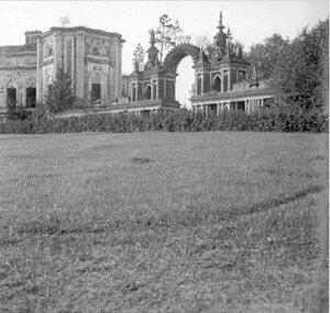 Царицыно. Галерея с аркой между Хлебным домом (Кухонным корпусом) и нынешним Большим дворцом