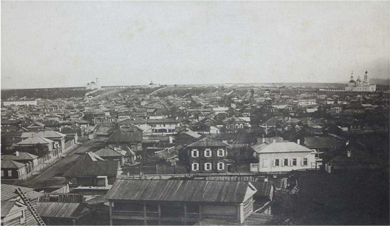 Вид города с колокольни Тихвинской церкви в сторону Иерусалимской горы