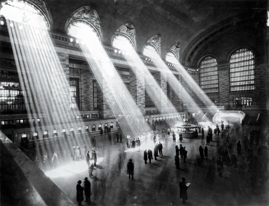 NYC Grand Central Station, 1929. The sun can't shine through like that now because of taller buildings