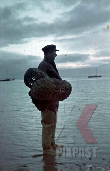 stock-photo-ukrainian-fisher-man-with-nets-on-the-beach-of-sudak-bay-crimea-ukraine-1942-22nd-panzer-division-11982.jpg