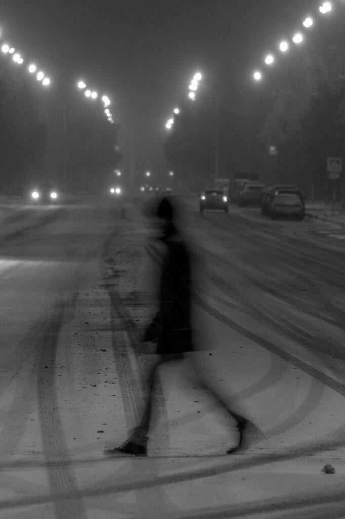 Пешеходы на проспекте