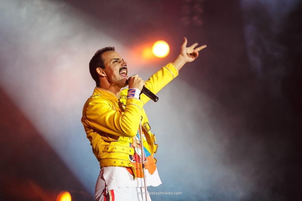 Queen в Минске. Фредди Меркьюри как живой на сцене. Фотографии с концерта God save the Queen посвященного Freddie Mercury
