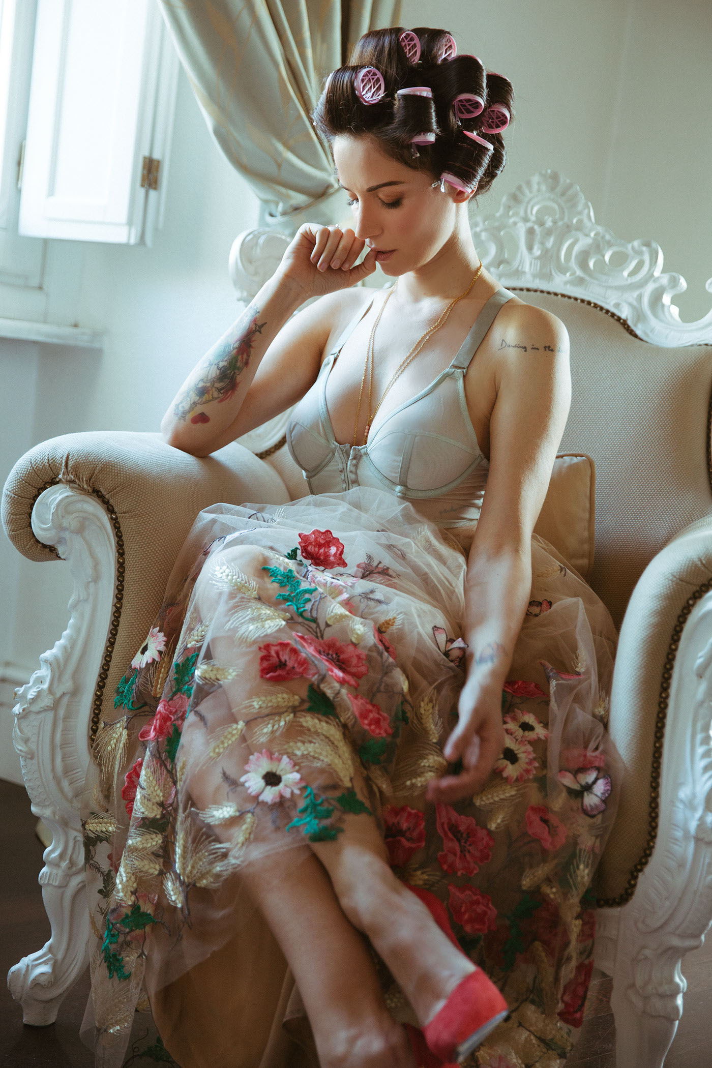 Воскресная нега Andrea Delogu / фото Mary Stuart