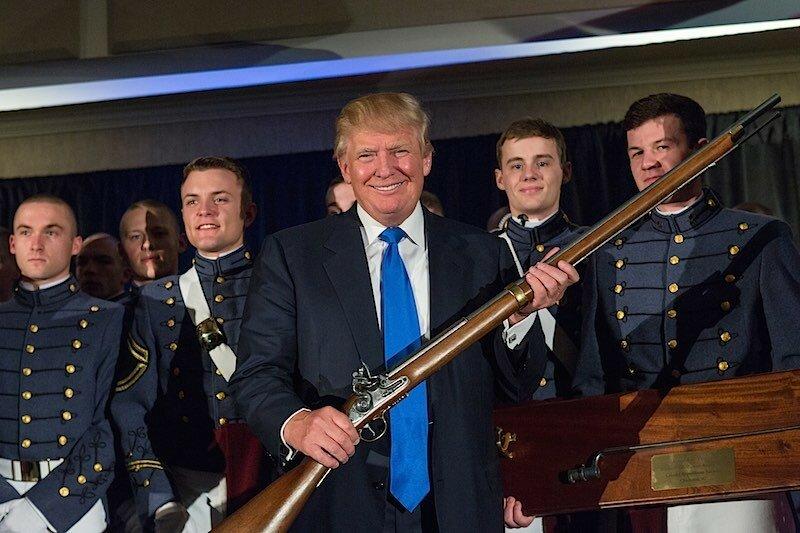 Трамп и военные