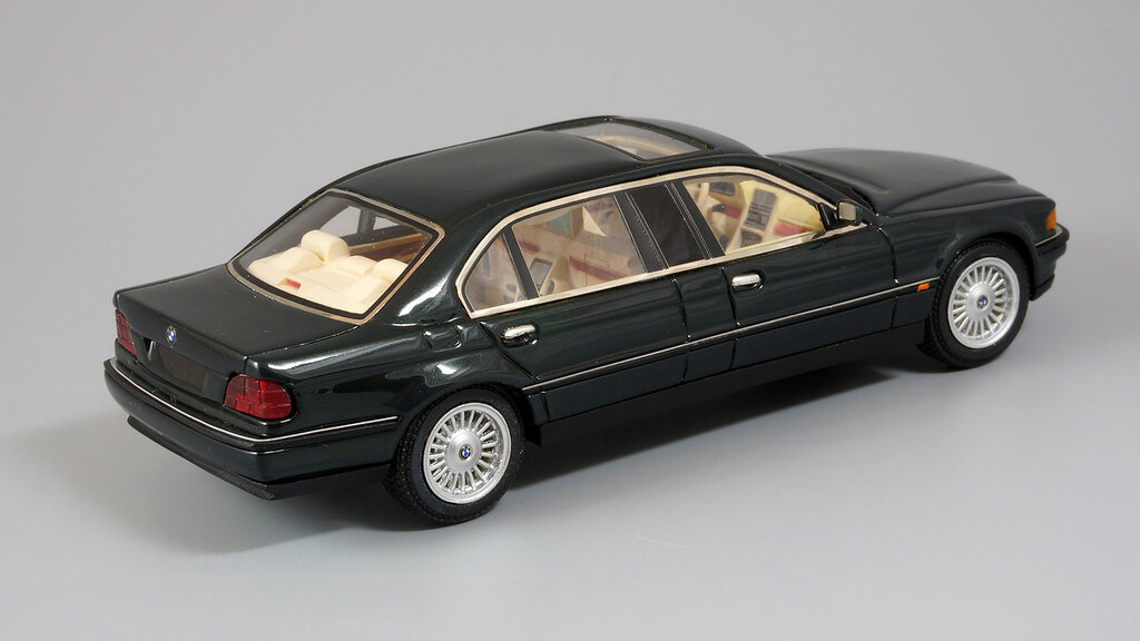 BMW_L7_03.jpg