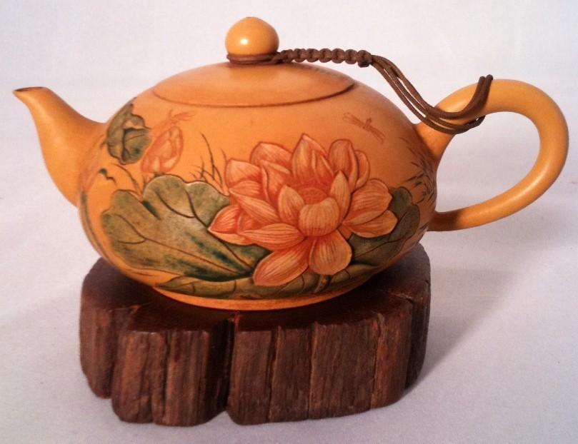 Заварной чайник Археологи считают, что чайники были изобретены в период правления китайской династии