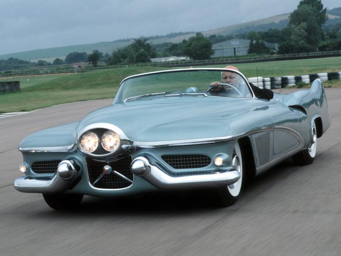 GM LaSabre – шедевр 1951 года. Настоящий шедевр GM LaSabre собрали в 1951 году. В свое время э