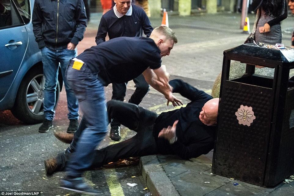 Пьянство, драки и увечья — как в Великобритании провели «Пятницу фингалов»