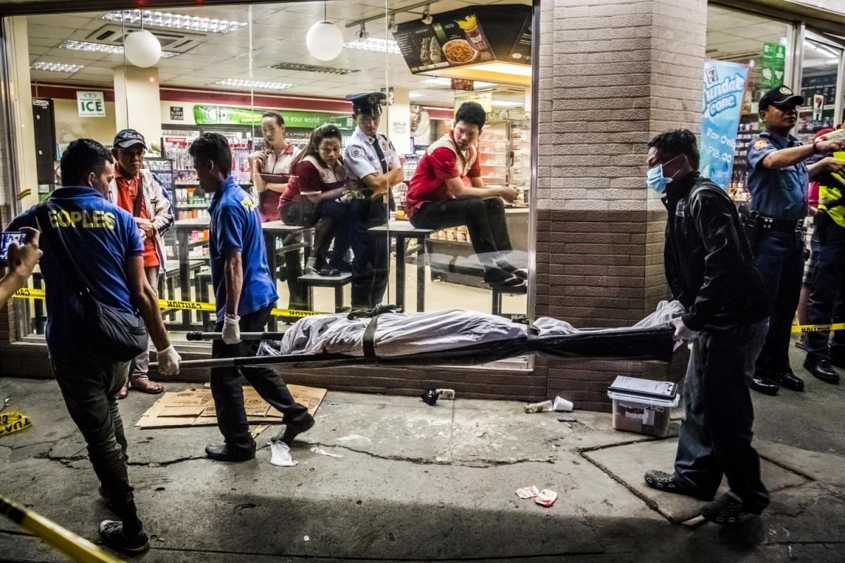 Убийства превратились в страшную обыденность для филиппинцев. В октябре 36-летний Эдвин Мендоза Алон