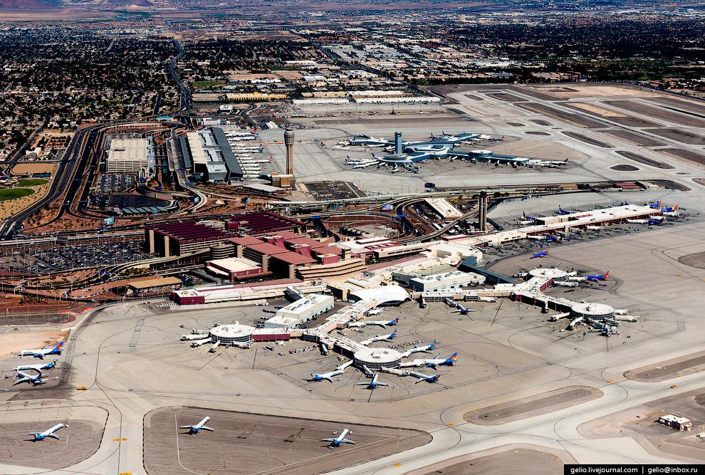 30. Лайнеры из аэропорта МакКарран совершают беспосадочные перелеты в десятки городов США и осн