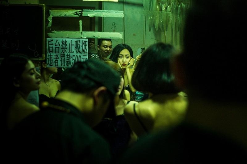 Кунсткамера разврата: 35 шокирующих кадров о том, что творится за кулисами ночных клубов Китая. (35 фото) 18+