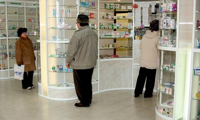 Дмитрий Кобылкин поручил проверить аптеки изапасы медикаментов в клиниках