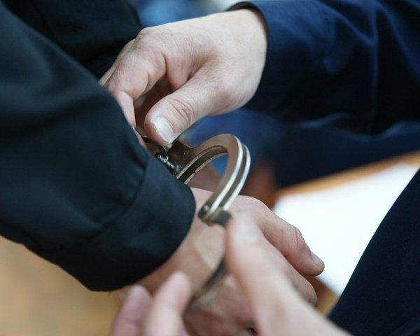 ВРостове пенсионер похитил  изиномарки автомобильный видео регистратор