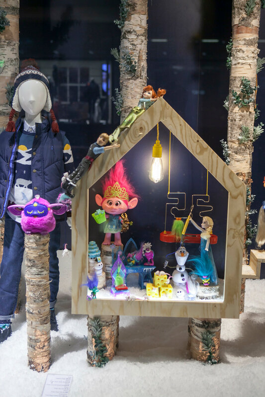 LONDON, UK-NOVEMBER 16: Shoppers are encouraged to London's West End to do their shopping, by the Christmas lights and department store's decorations along Oxford Street.November 16, 2016 in London UK