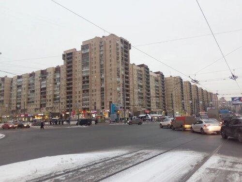 пр. Большевиков 1