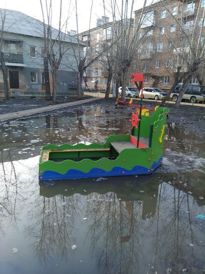 Излишне реалистичная игровая площадка в Красноярске