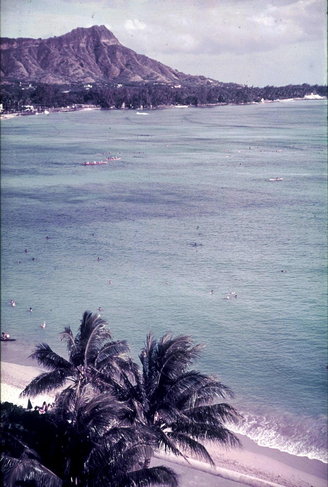 Гавайи. Гонолулу. Пляж Вайкики