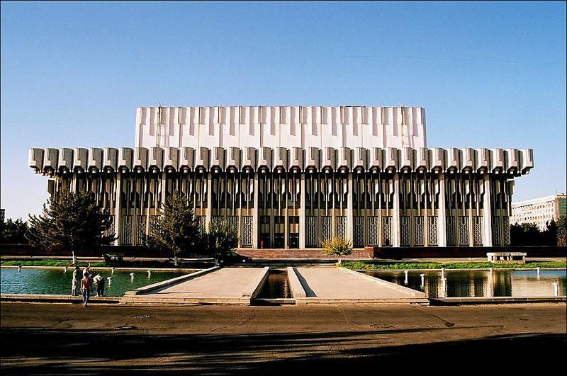 Как выглядят футуристичные здания времен СССР (29 фото)