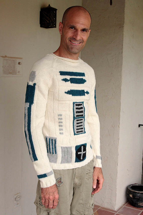 Ask your grandmother to knit you a R2D2 Star Wars sweater for Christmas… (2 pics)