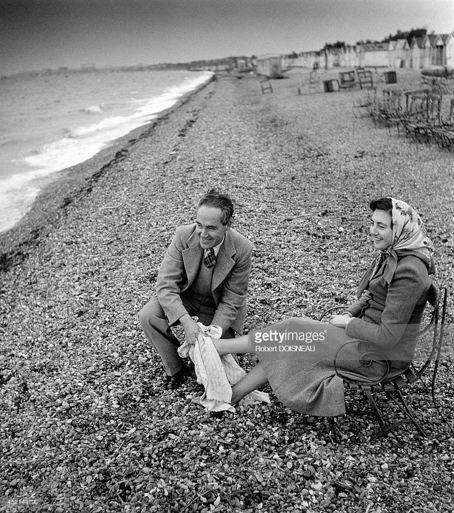1950. Пара на пляже. Великобритания