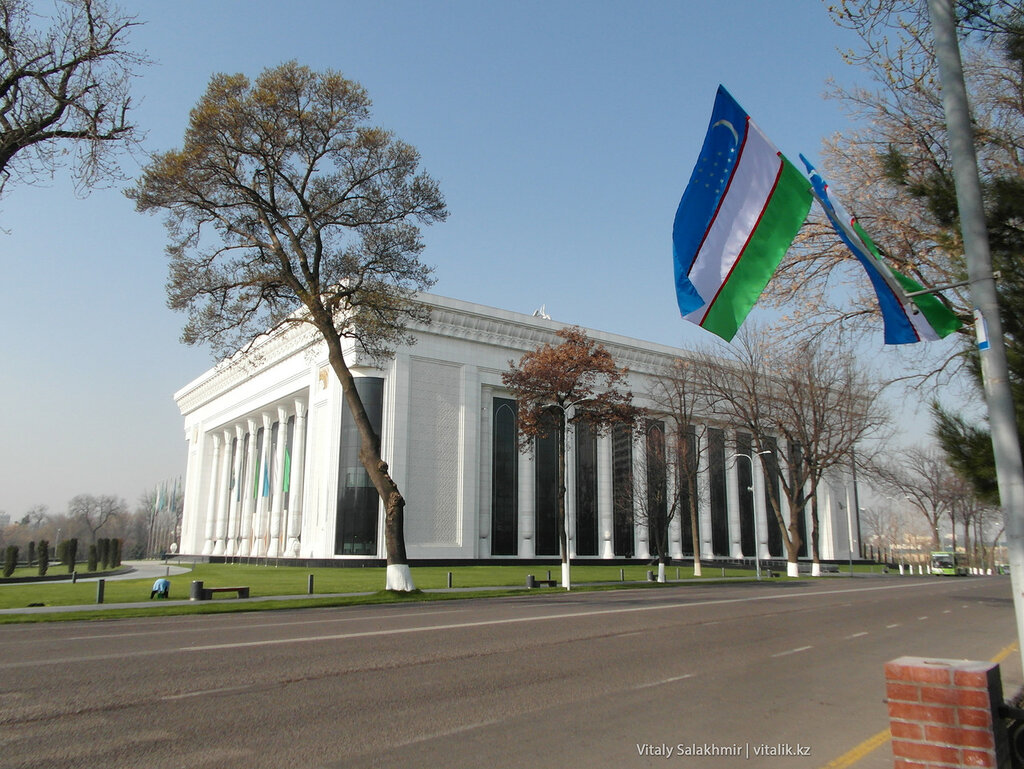 Новое здание в Ташкенте, Узбекистан