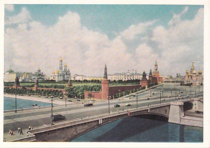 Вид от Москворецкого моста.