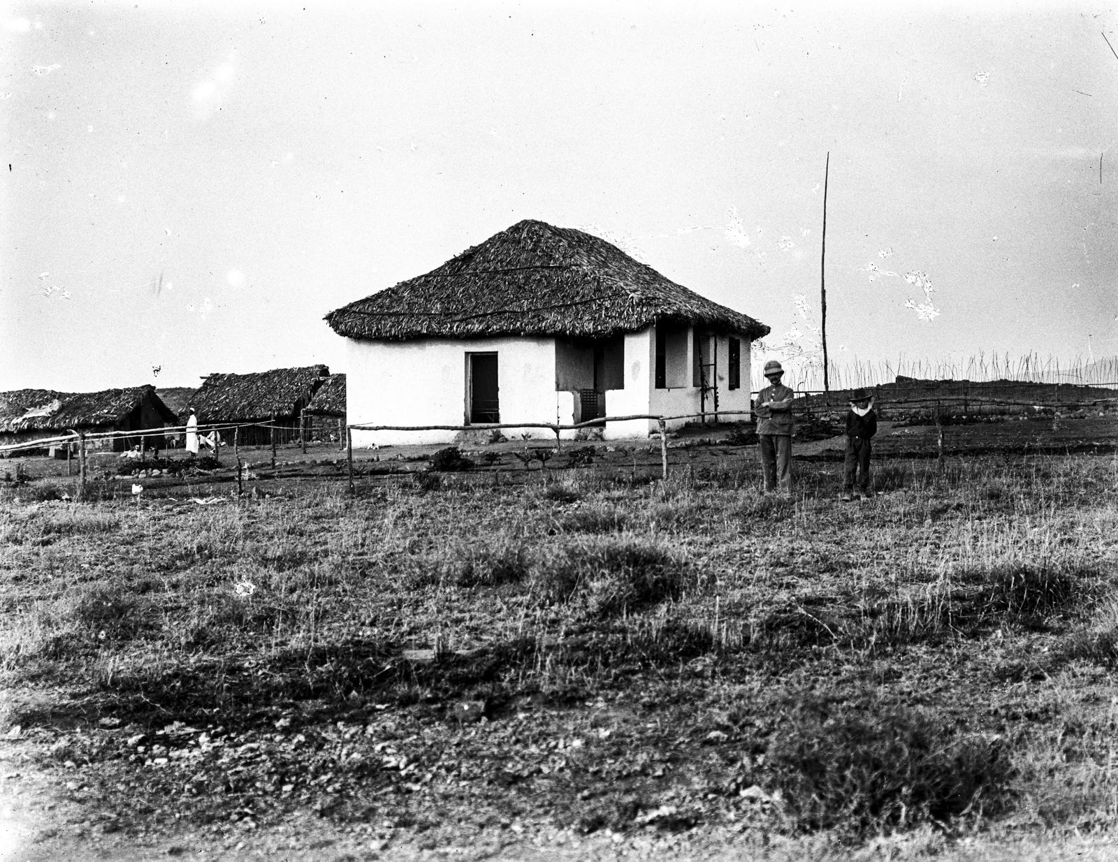 233. Вид немецкой школы на севере горы Меру
