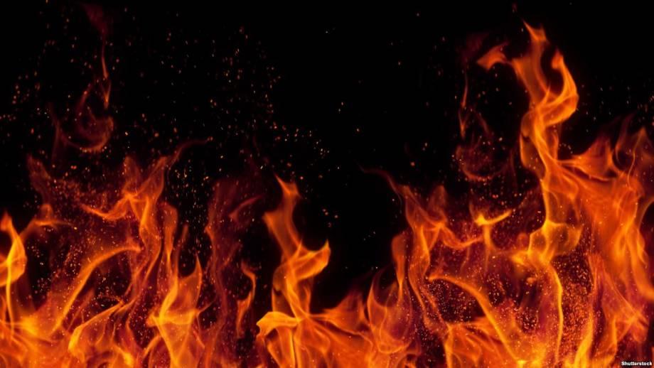 В Киеве пожар возле метро «Левобережная» погасили