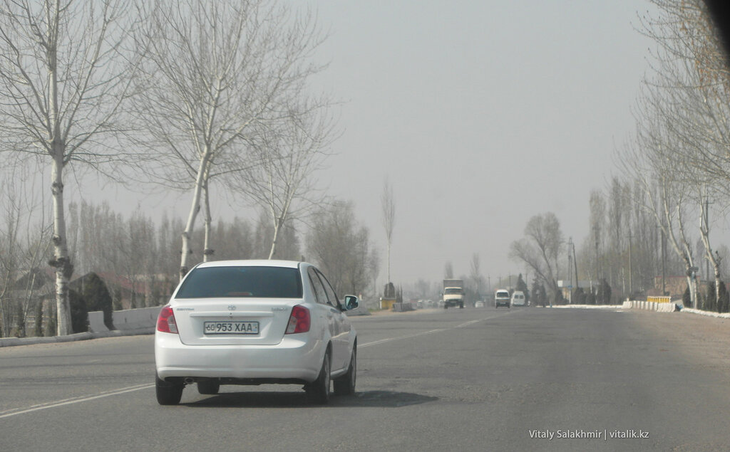 Дорога в Ферганской долине