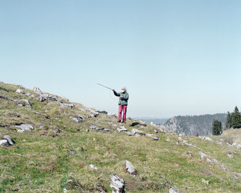 Охота на радиозонды: пожалуй, самое своеобразное хобби среди пожилых людей в объективе швейцарского фотографа